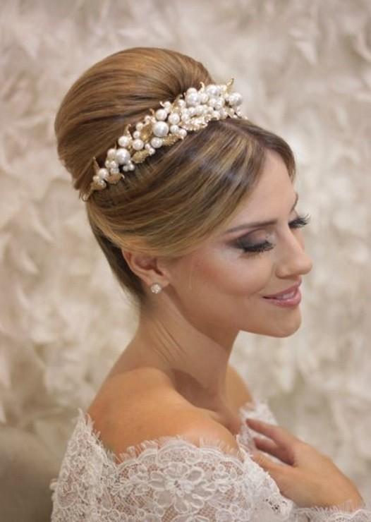 para noivas com tiara